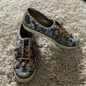 Blue floral casual top siders